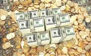 Изображение - Как создать свою криптовалюту меняем мир с помощью кода Bitcoins-dollars-300x185